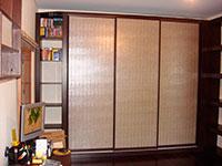 Шкаф купе с экокожей